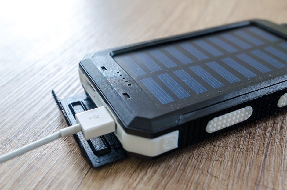 mobil løber tør strøm